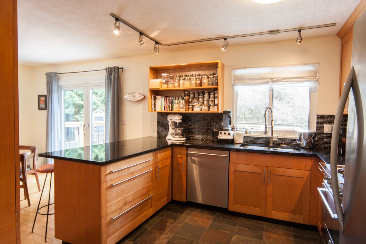 Photo 20: Photos: 1632 CONNAUGHT Drive in Port Coquitlam: Lower Mary Hill House for sale : MLS®# R2351496