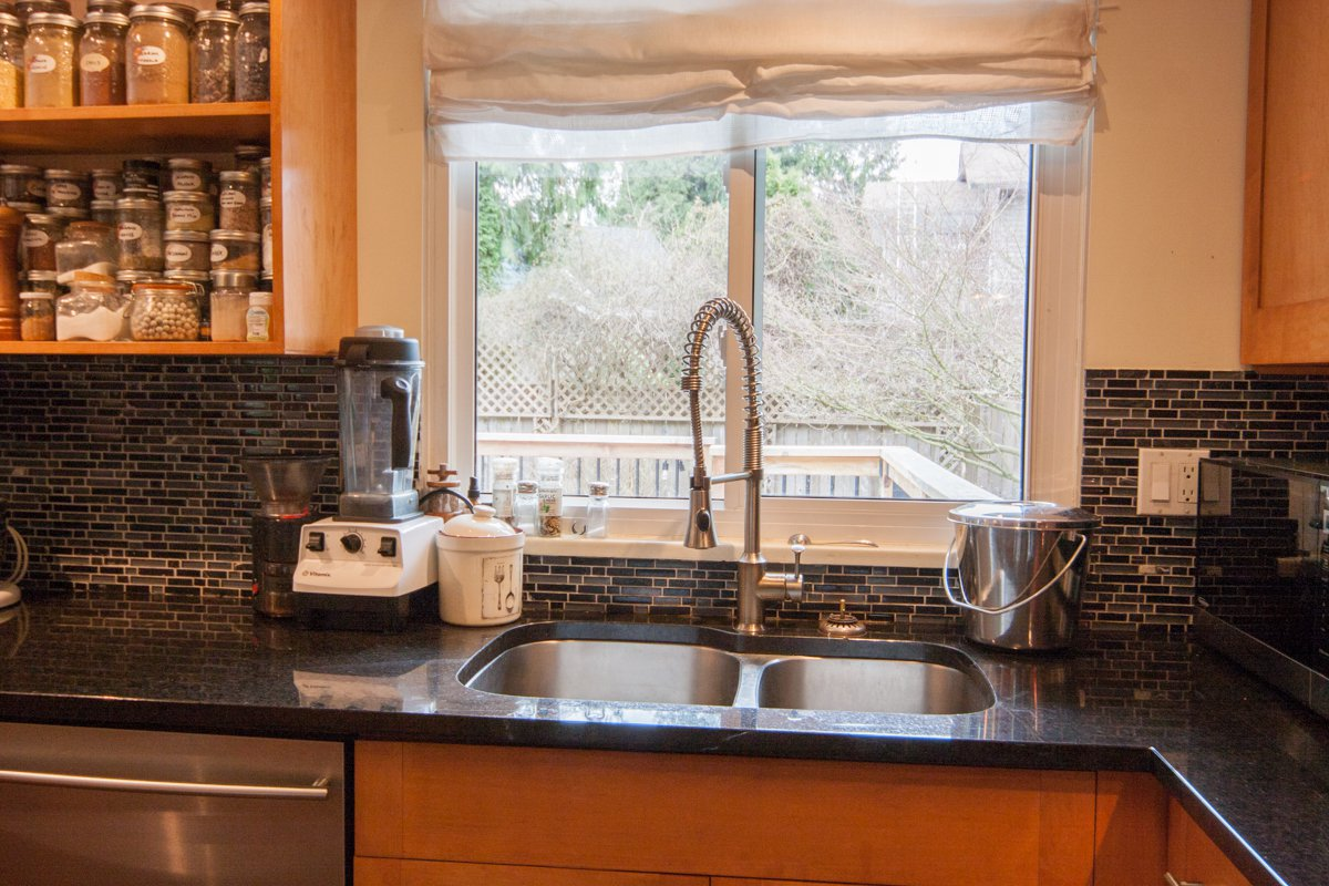 Photo 23: Photos: 1632 CONNAUGHT Drive in Port Coquitlam: Lower Mary Hill House for sale : MLS®# R2351496