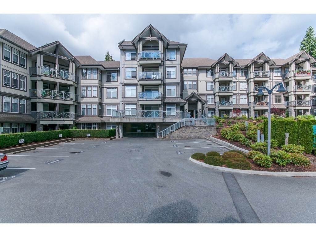 "Main Photo: 301 33318 E BOURQUIN Crescent in Abbotsford: Central Abbotsford Condo for sale in ""Nature's Gate"" : MLS®# R2352501"