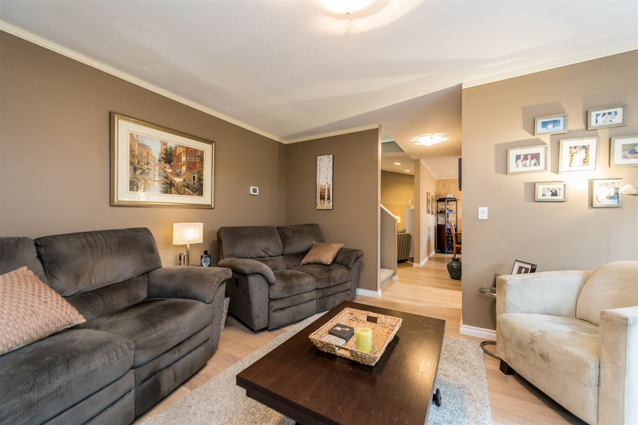 """Photo 3: Photos: 2 23151 HANEY Bypass in Maple Ridge: East Central Townhouse for sale in """"Steonhouse Estates"""" : MLS®# R2357508"""