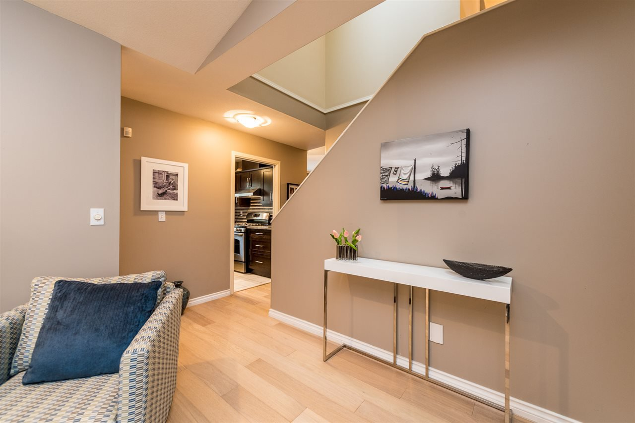 """Photo 7: Photos: 2 23151 HANEY Bypass in Maple Ridge: East Central Townhouse for sale in """"Steonhouse Estates"""" : MLS®# R2357508"""