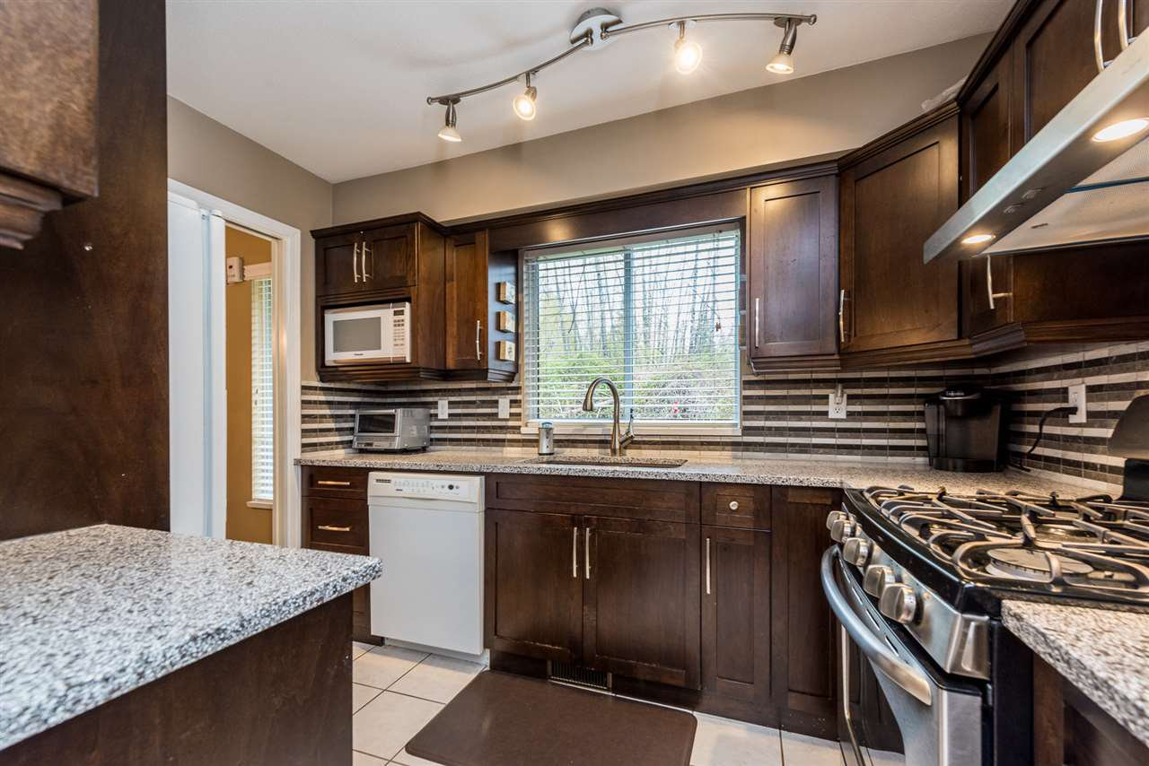 """Photo 4: Photos: 2 23151 HANEY Bypass in Maple Ridge: East Central Townhouse for sale in """"Steonhouse Estates"""" : MLS®# R2357508"""