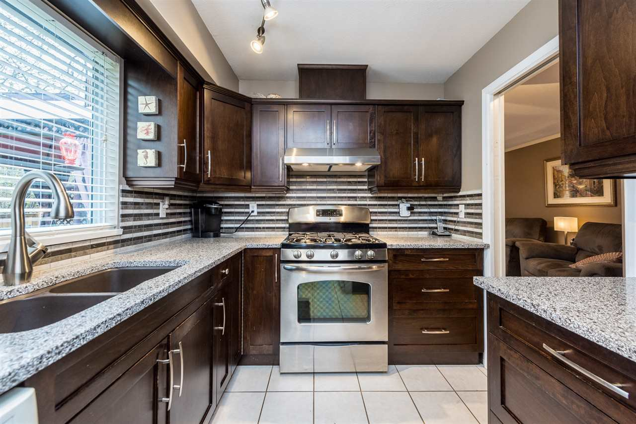 """Photo 5: Photos: 2 23151 HANEY Bypass in Maple Ridge: East Central Townhouse for sale in """"Steonhouse Estates"""" : MLS®# R2357508"""