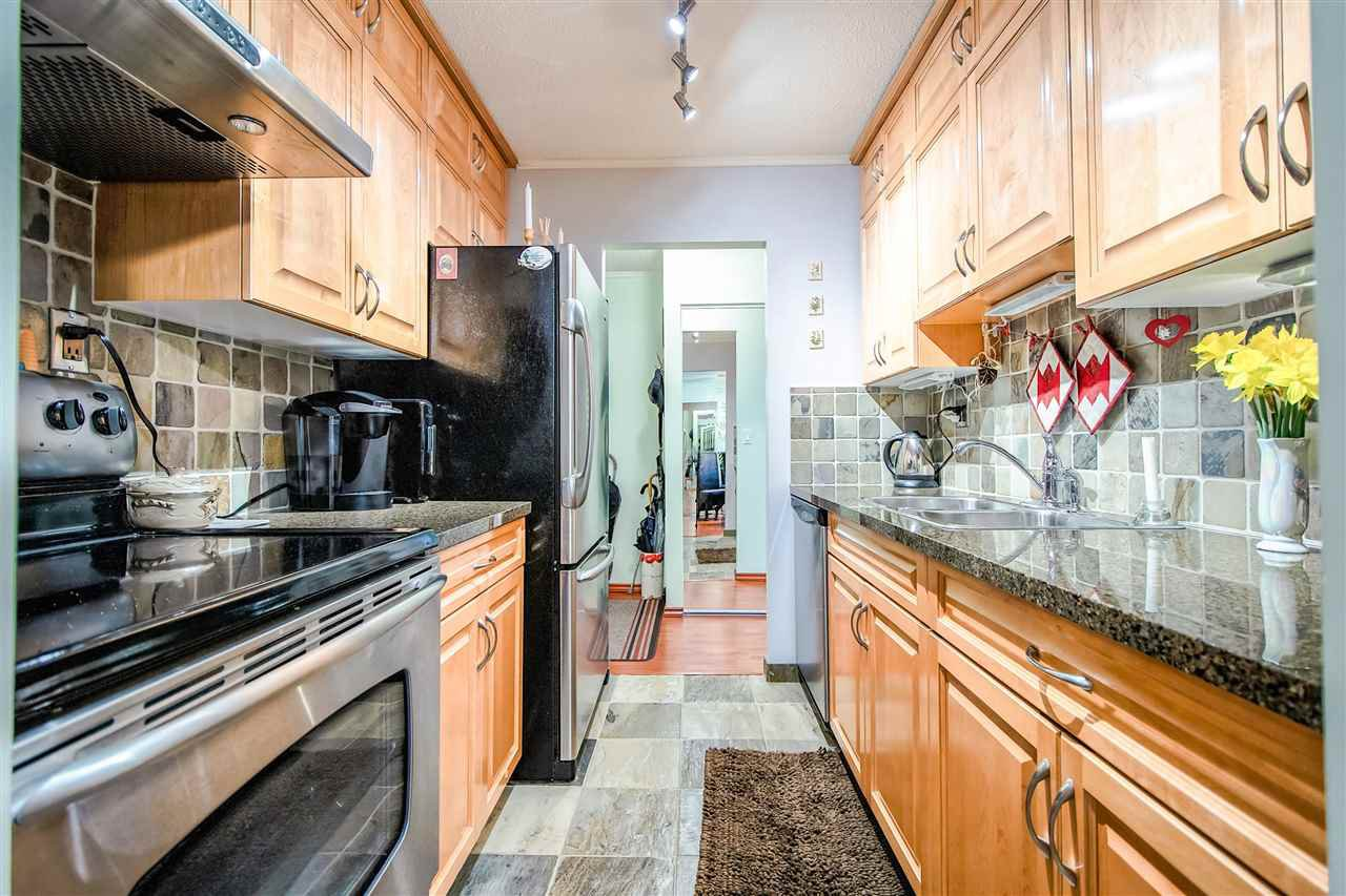 Main Photo: 802 620 SEVENTH Avenue in New Westminster: Uptown NW Condo for sale : MLS®# R2376582