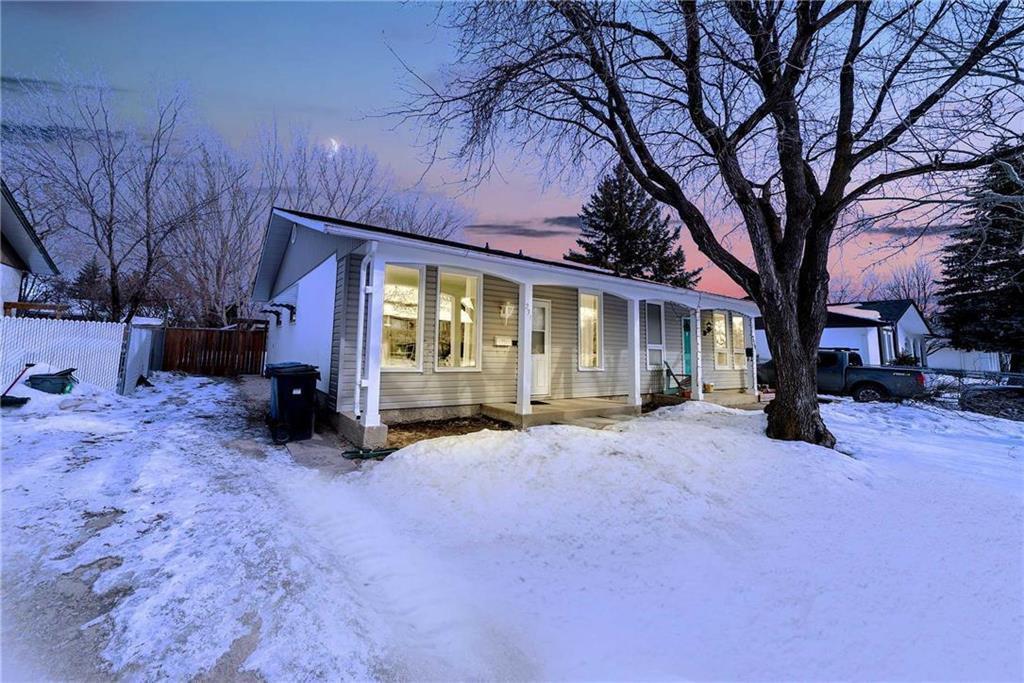 Main Photo: 231 Fairlane Avenue in Winnipeg: Crestview Residential for sale (5H)  : MLS®# 202004066