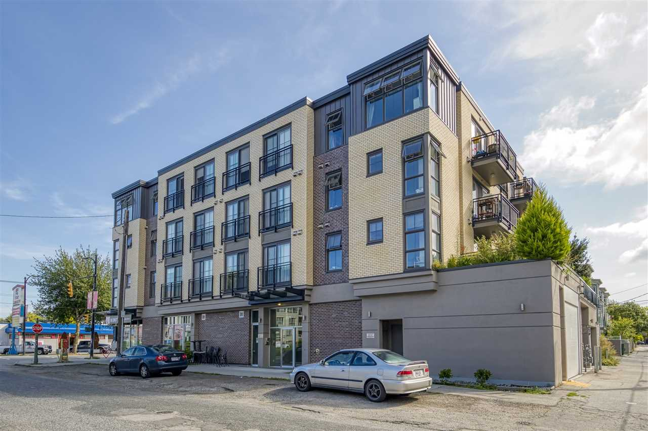 "Main Photo: 209 2528 COLLINGWOOD Street in Vancouver: Kitsilano Condo for sale in ""The Westerly"" (Vancouver West)  : MLS®# R2492349"