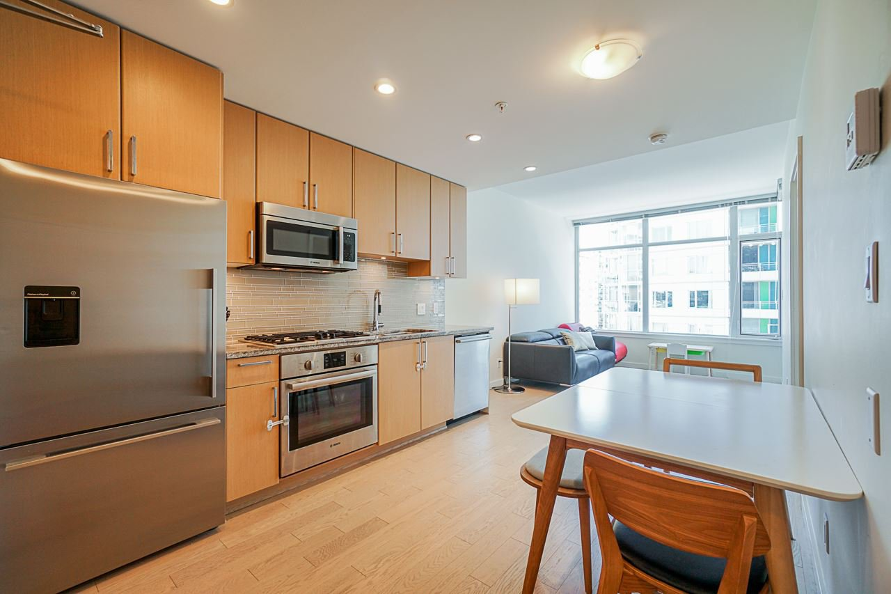 Main Photo: 911 38 W 1ST AVENUE in Vancouver: False Creek Condo for sale (Vancouver West)  : MLS®# R2492944
