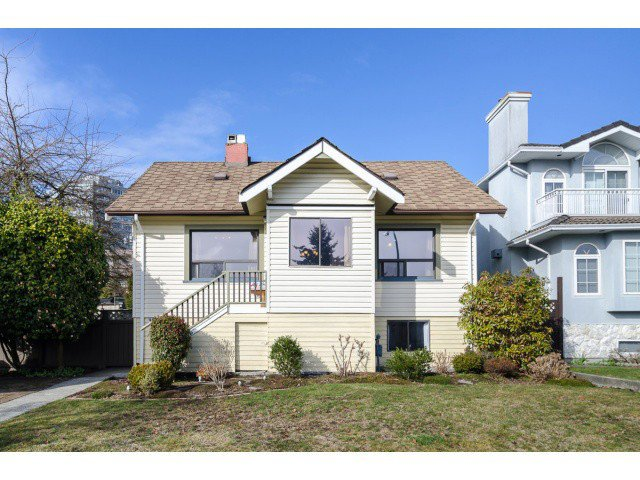 """Main Photo: 3955 FRANCES Street in Burnaby: Willingdon Heights House for sale in """"Willingdon Heights"""" (Burnaby North)  : MLS®# V1050591"""