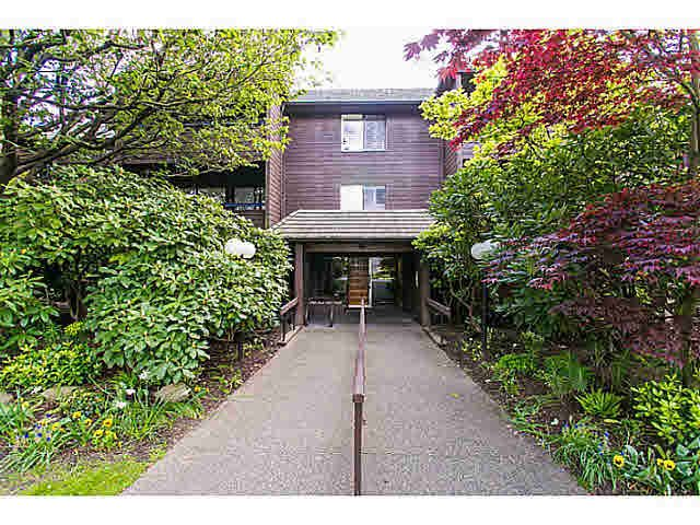 "Main Photo: 302 1720 W 12TH Avenue in Vancouver: Fairview VW Condo for sale in ""TWELVE PINES"" (Vancouver West)  : MLS®# V1121634"