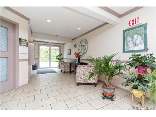 Photo 4: Photos: 335 40 W Gorge Rd in VICTORIA: SW Gorge Condo for sale (Saanich West)  : MLS®# 721229