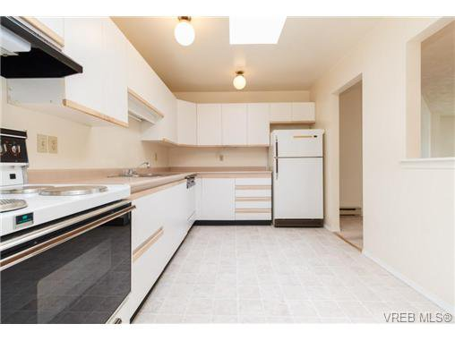 Photo 11: Photos: 335 40 W Gorge Rd in VICTORIA: SW Gorge Condo for sale (Saanich West)  : MLS®# 721229
