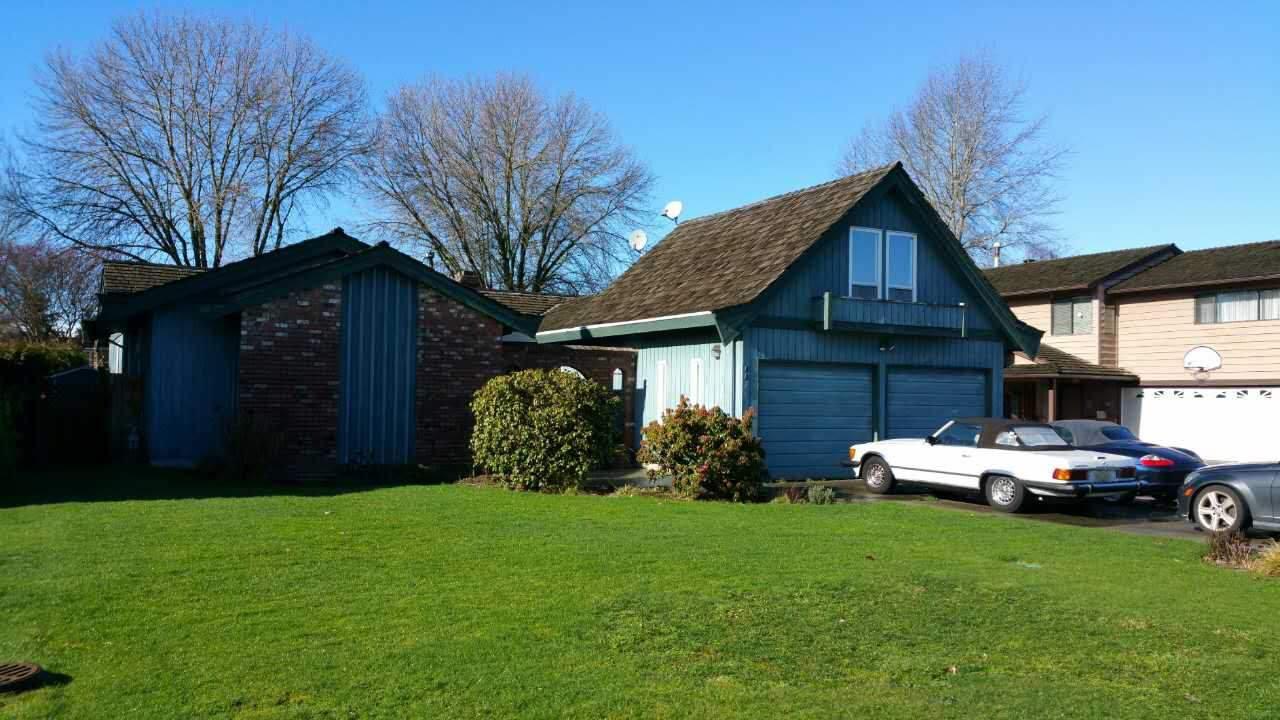 Main Photo: 8817 CARMICHAEL Street in Richmond: Broadmoor House for sale : MLS®# R2034281