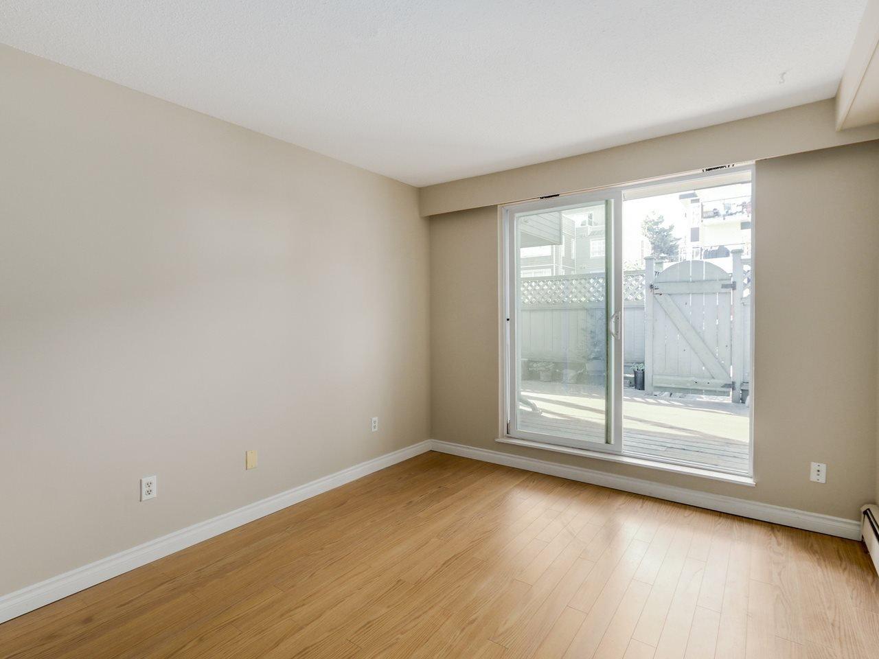 "Photo 12: Photos: 115 2125 YORK Avenue in Vancouver: Kitsilano Condo for sale in ""YORK GARDENS"" (Vancouver West)  : MLS®# R2054686"