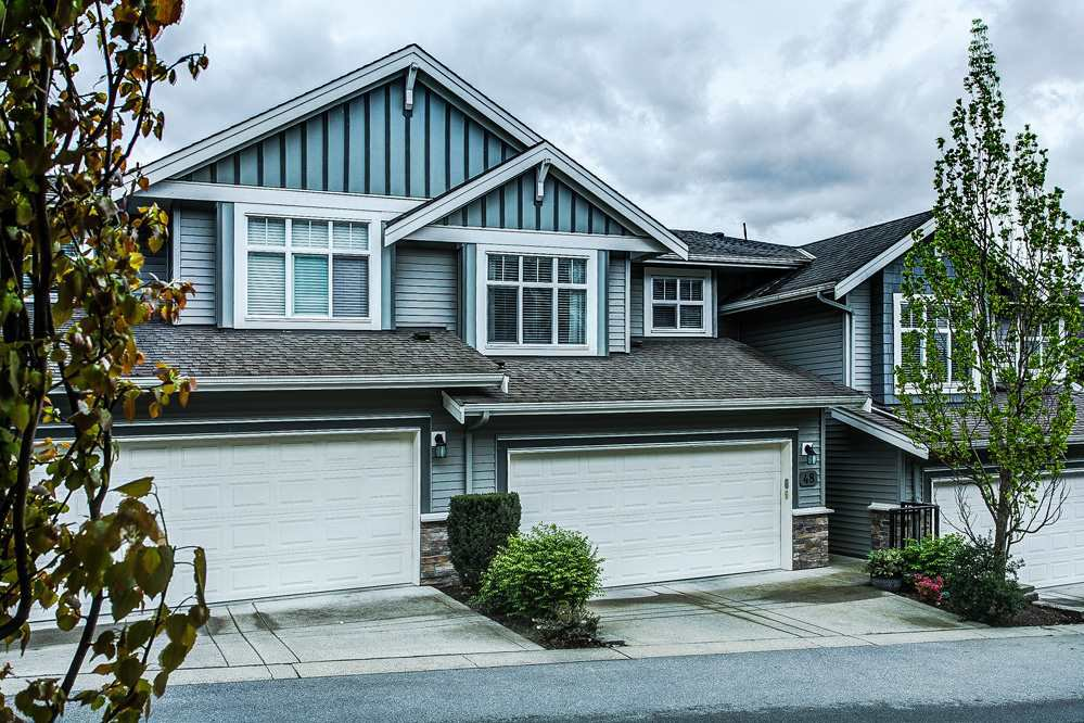 "Main Photo: 48 11282 COTTONWOOD Drive in Maple Ridge: Cottonwood MR Townhouse for sale in ""The Meadows at Vergin's Ridge"" : MLS®# R2057366"