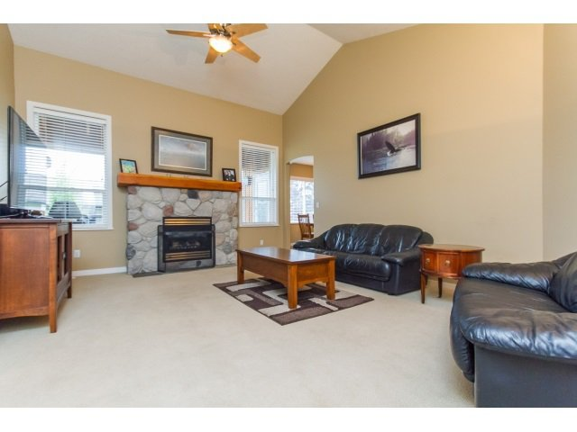 Photo 3: Photos: 2849 BUFFER Crescent in Abbotsford: Aberdeen House for sale : MLS®# R2071955
