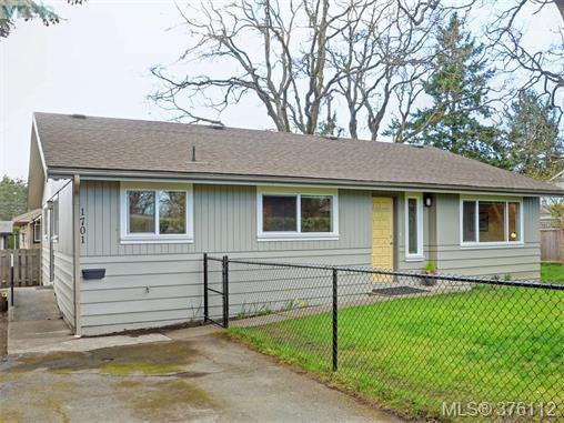 Main Photo: 1701 Jefferson Avenue in VICTORIA: SE Gordon Head Strata Duplex Unit for sale (Saanich East)  : MLS®# 376112