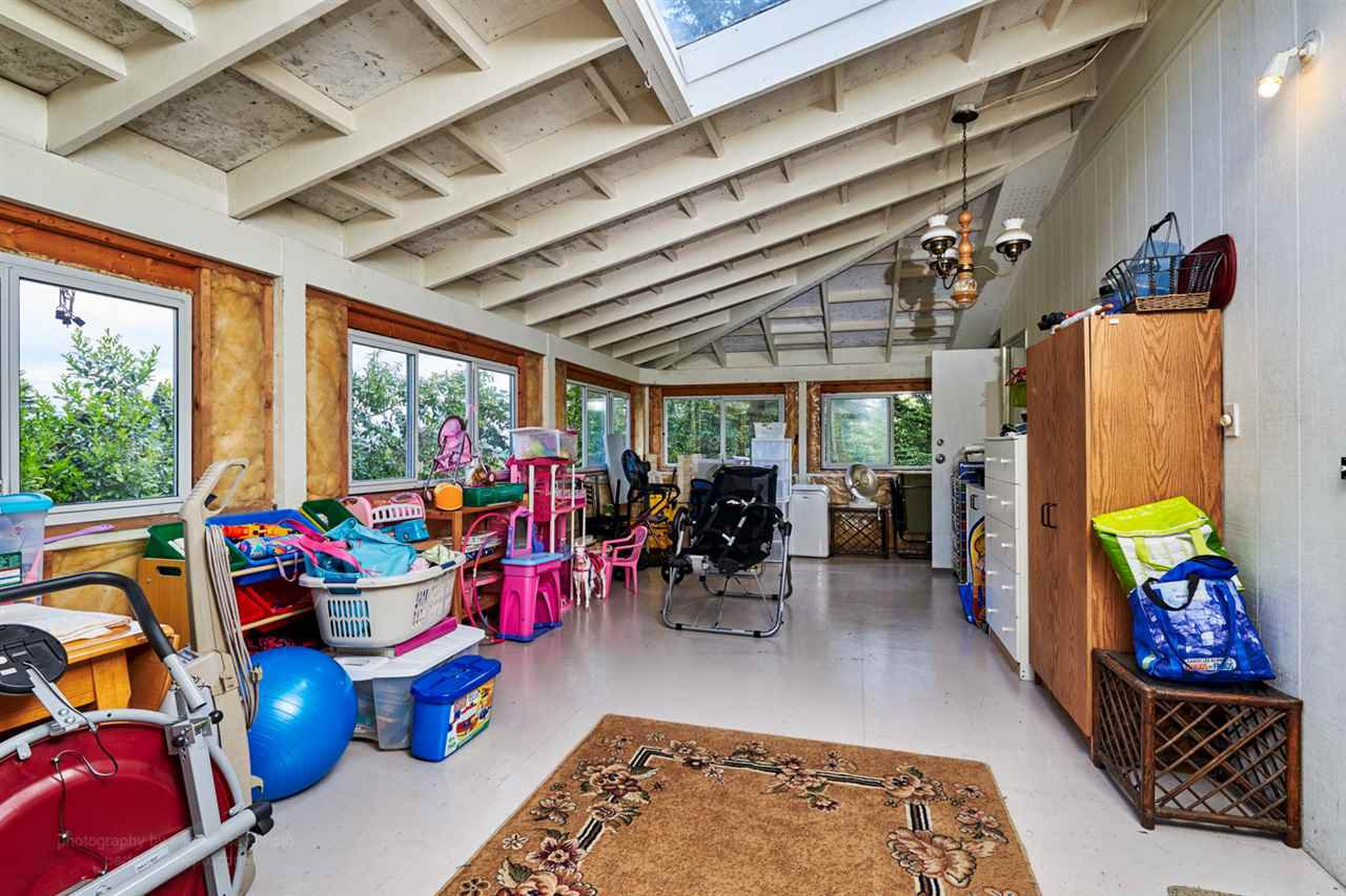 """Photo 11: Photos: 32766 CHARNLEY Drive in Mission: Mission BC House for sale in """"Charnley off Cedar between Mcrae and 14th."""" : MLS®# R2160691"""