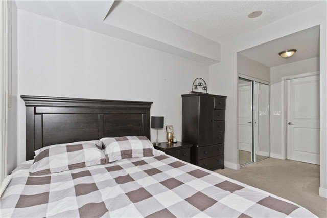 Photo 14: Photos: 2503 80 Absolute Avenue in Mississauga: City Centre Condo for sale : MLS®# W3783934