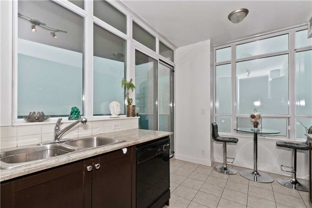 Photo 9: Photos: 2503 80 Absolute Avenue in Mississauga: City Centre Condo for sale : MLS®# W3783934
