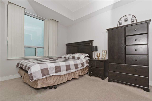 Photo 13: Photos: 2503 80 Absolute Avenue in Mississauga: City Centre Condo for sale : MLS®# W3783934