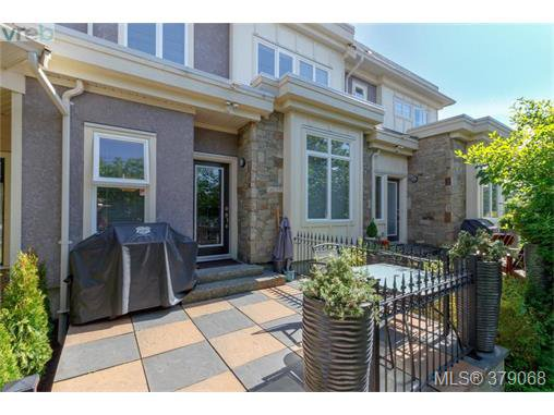 Main Photo: 107 7088 West Saanich Rd in BRENTWOOD BAY: CS Brentwood Bay Row/Townhouse for sale (Central Saanich)  : MLS®# 761340
