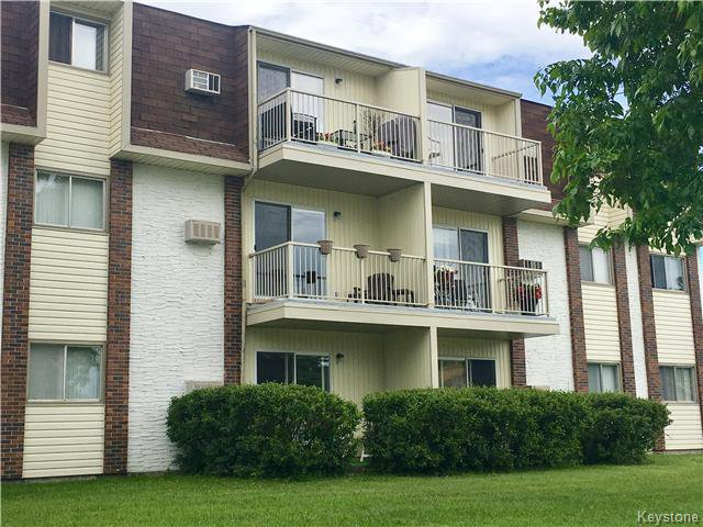 Main Photo: 35 Wynford Drive in Winnipeg: East Transcona Condominium for sale (3M)  : MLS®# 1715315