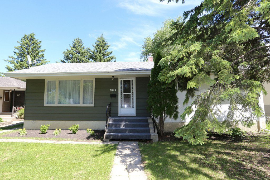 Welcome to 864 Renfrew St. in River Heights