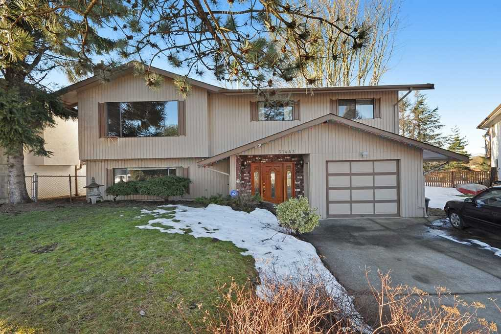 Main Photo: 31443 Winton Ave in Abbotsford: Abbotsford West House for rent