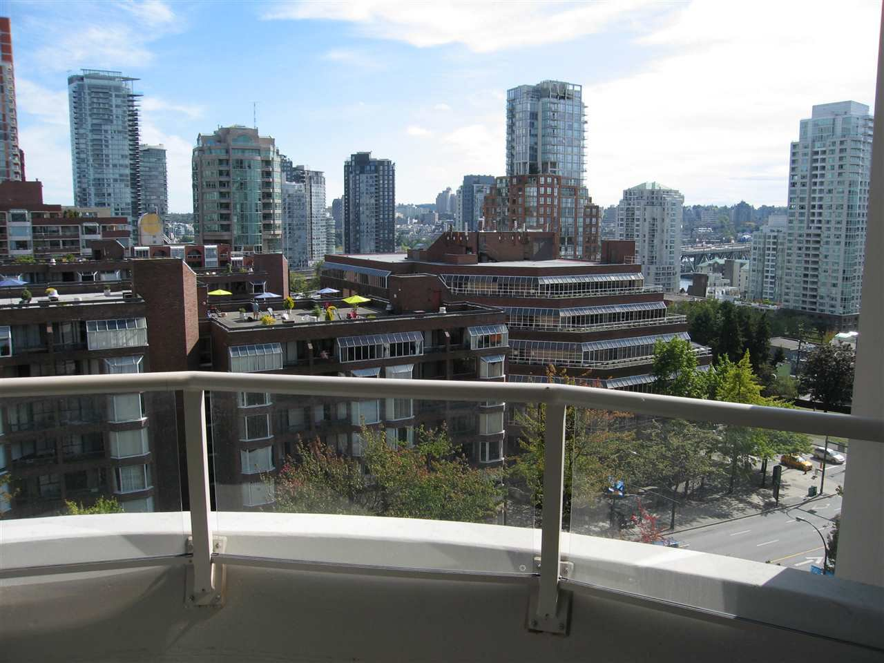 "Photo 9: Photos: 1005 1020 HARWOOD Street in Vancouver: West End VW Condo for sale in ""THE CRYSTALLIS"" (Vancouver West)  : MLS®# R2214729"