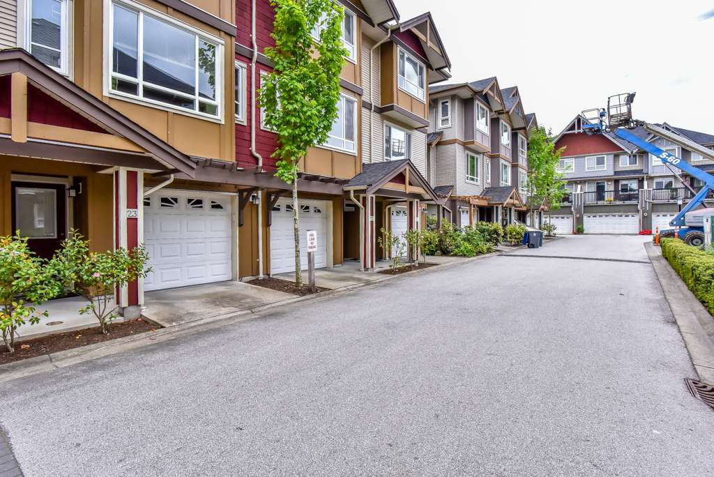 "Main Photo: 23 7088 191 Street in Surrey: Clayton Townhouse for sale in ""Montana"" (Cloverdale)  : MLS®# R2270261"