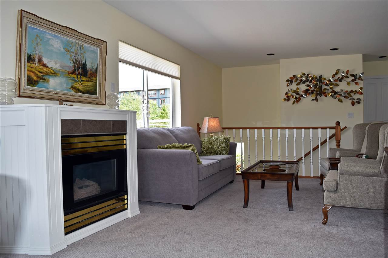 """Photo 2: Photos: 24 5610 TRAIL Avenue in Sechelt: Sechelt District Townhouse for sale in """"HIGHPOINT"""" (Sunshine Coast)  : MLS®# R2277541"""