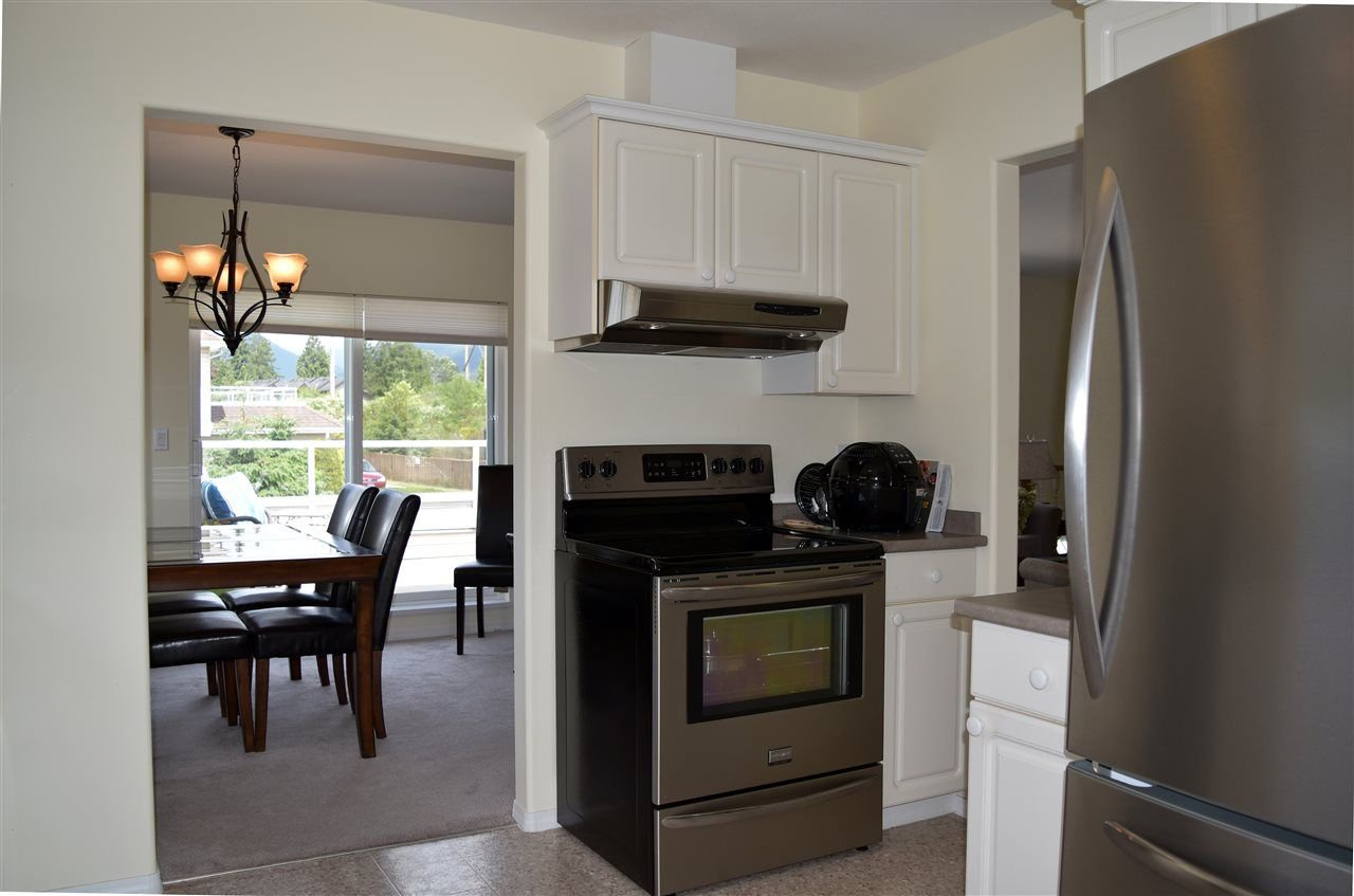 """Photo 6: Photos: 24 5610 TRAIL Avenue in Sechelt: Sechelt District Townhouse for sale in """"HIGHPOINT"""" (Sunshine Coast)  : MLS®# R2277541"""