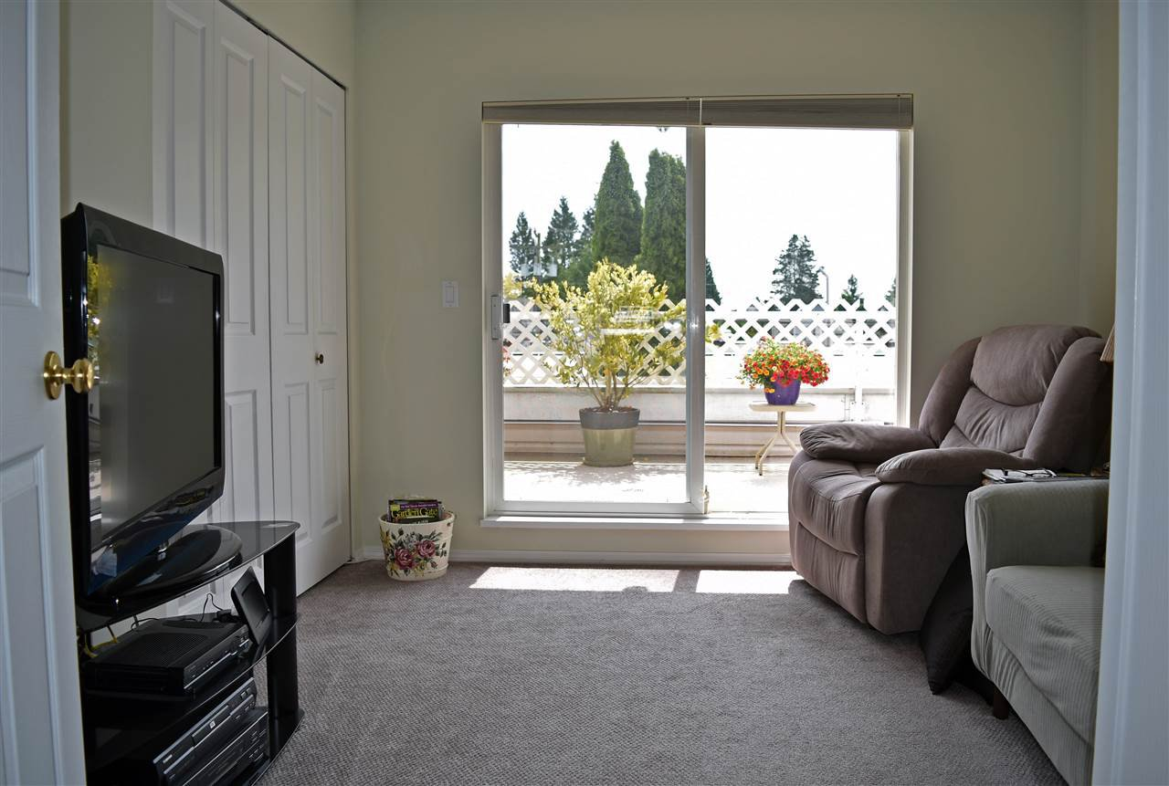 """Photo 9: Photos: 24 5610 TRAIL Avenue in Sechelt: Sechelt District Townhouse for sale in """"HIGHPOINT"""" (Sunshine Coast)  : MLS®# R2277541"""