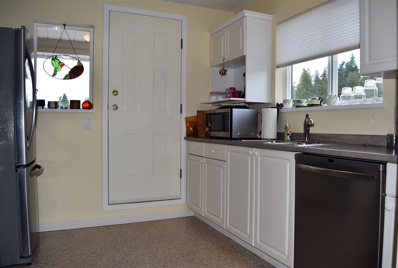 """Photo 7: Photos: 24 5610 TRAIL Avenue in Sechelt: Sechelt District Townhouse for sale in """"HIGHPOINT"""" (Sunshine Coast)  : MLS®# R2277541"""