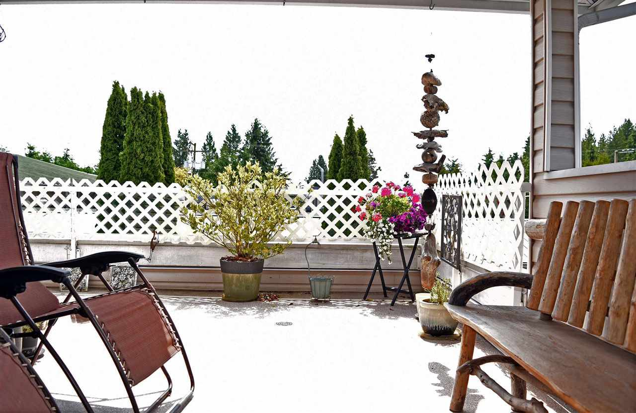 """Photo 15: Photos: 24 5610 TRAIL Avenue in Sechelt: Sechelt District Townhouse for sale in """"HIGHPOINT"""" (Sunshine Coast)  : MLS®# R2277541"""