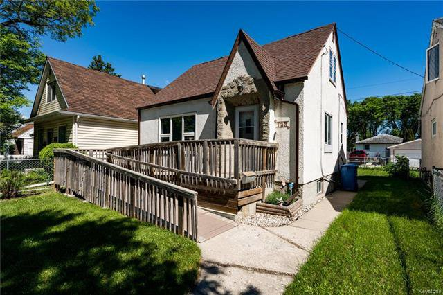 Photo 1: Photos: 735 Talbot Avenue in Winnipeg: East Elmwood Residential for sale (3B)  : MLS®# 1816000