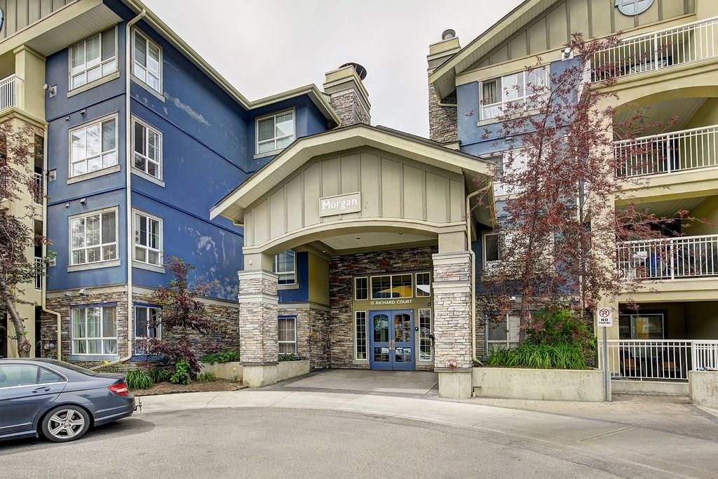Main Photo: 35 Richard Court SW in Calgary: Lincoln Park Condo for sale