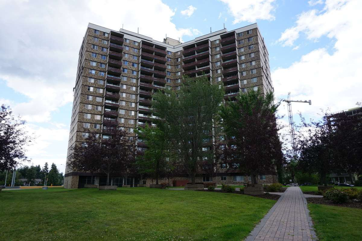 Main Photo: 416 13910 STONY_PLAIN Road in Edmonton: Zone 11 Condo for sale : MLS®# E4148397