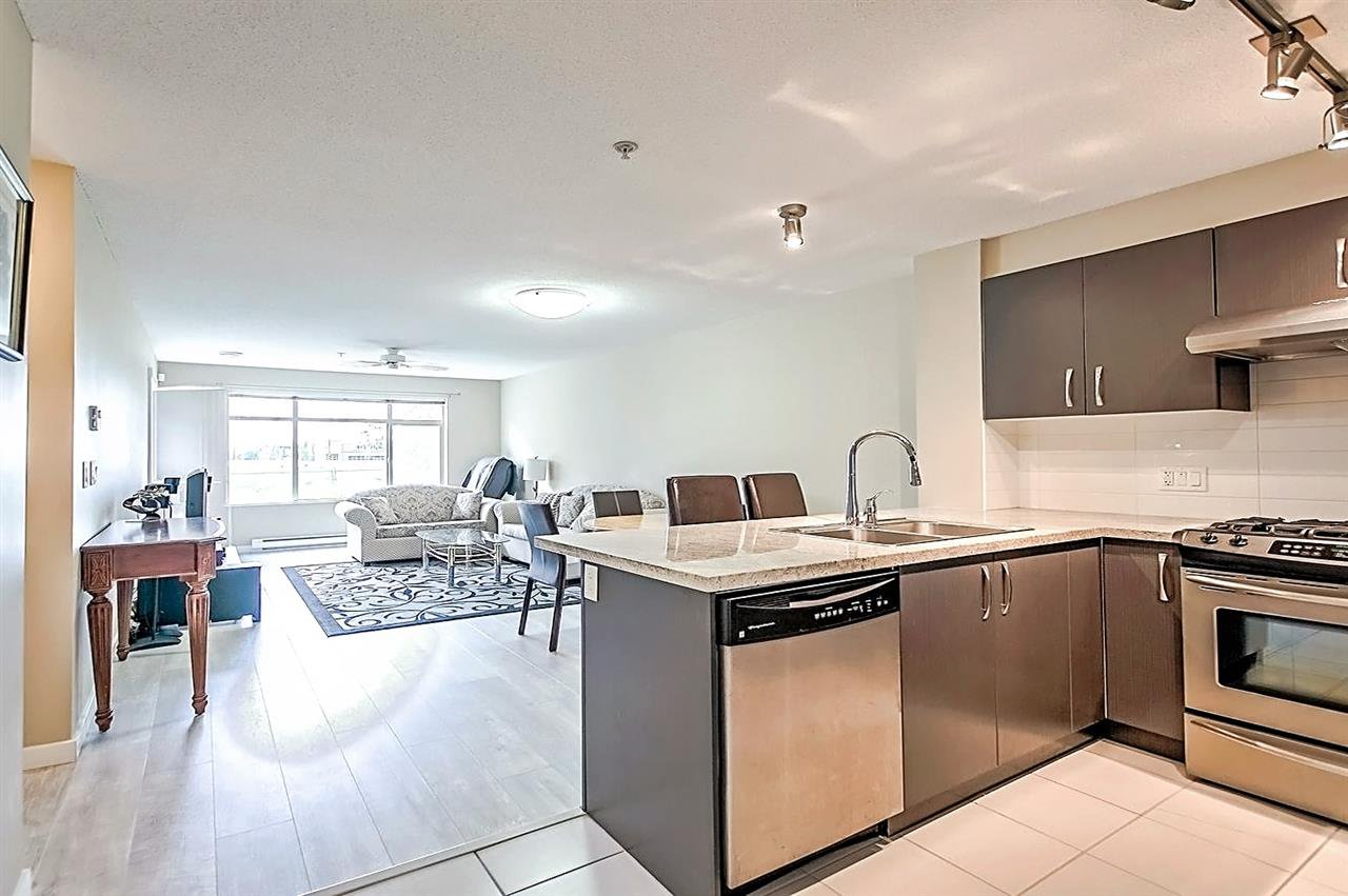 Main Photo: 107 9299 TOMICKI Avenue in Richmond: West Cambie Condo for sale : MLS®# R2352566