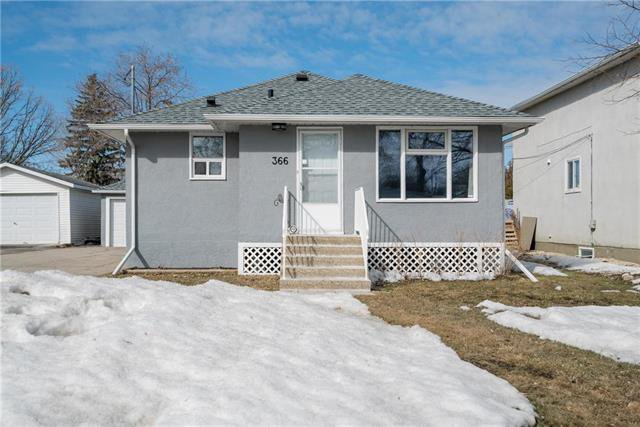Main Photo: 366 Marshall Bay in Winnipeg: West Fort Garry Residential for sale (1Jw)  : MLS®# 1907002