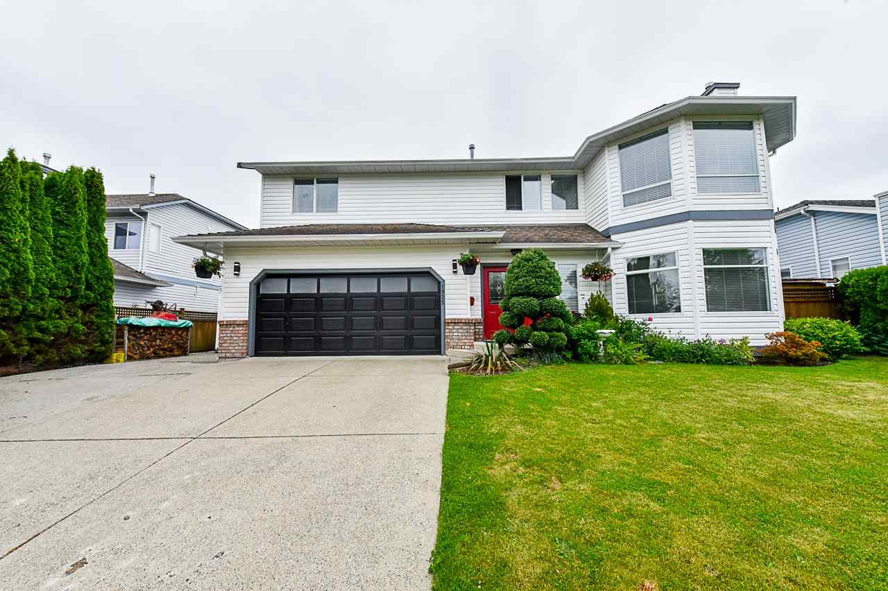 Main Photo: 1925 159A Street in Surrey: King George Corridor House for sale (South Surrey White Rock)  : MLS®# R2375075