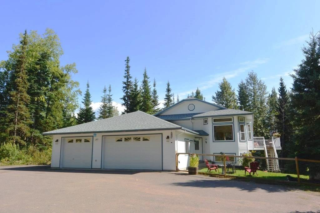 "Main Photo: 8721 GLACIERVIEW Road in Smithers: Smithers - Rural House for sale in ""SILVERN ESTATES"" (Smithers And Area (Zone 54))  : MLS®# R2382748"