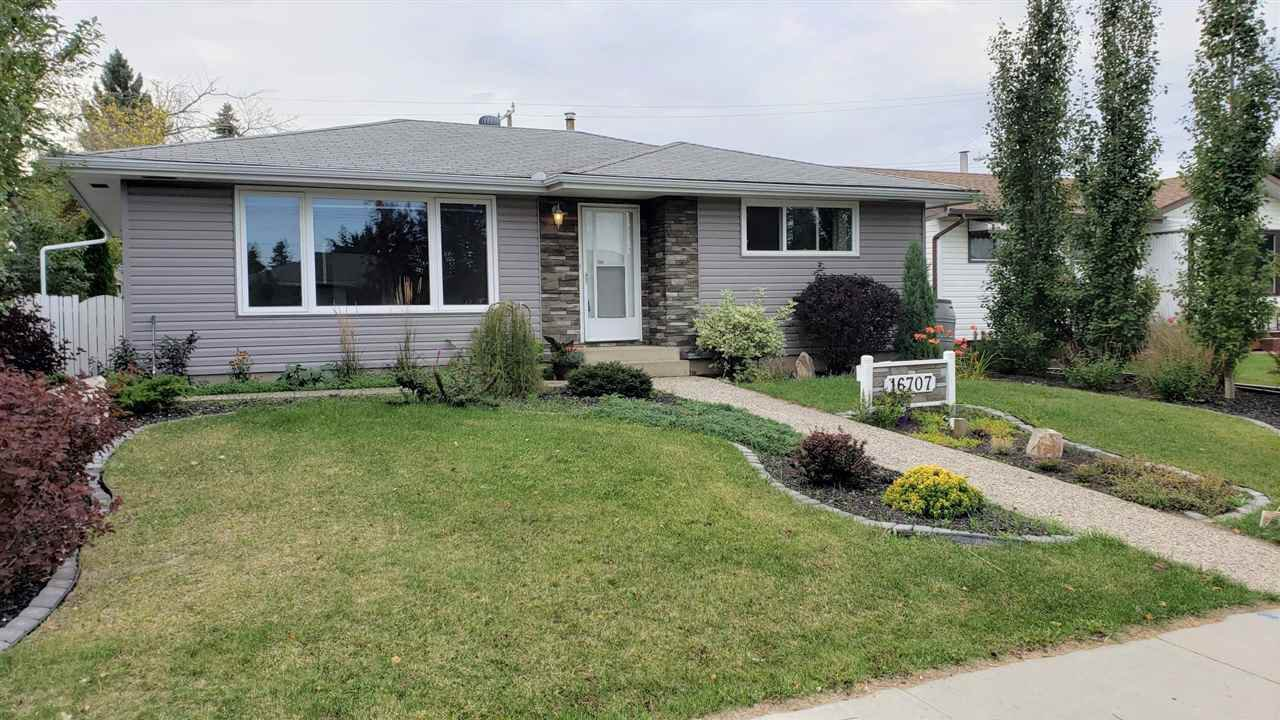 Main Photo: 16707 94 Avenue in Edmonton: Zone 22 House for sale : MLS®# E4172805