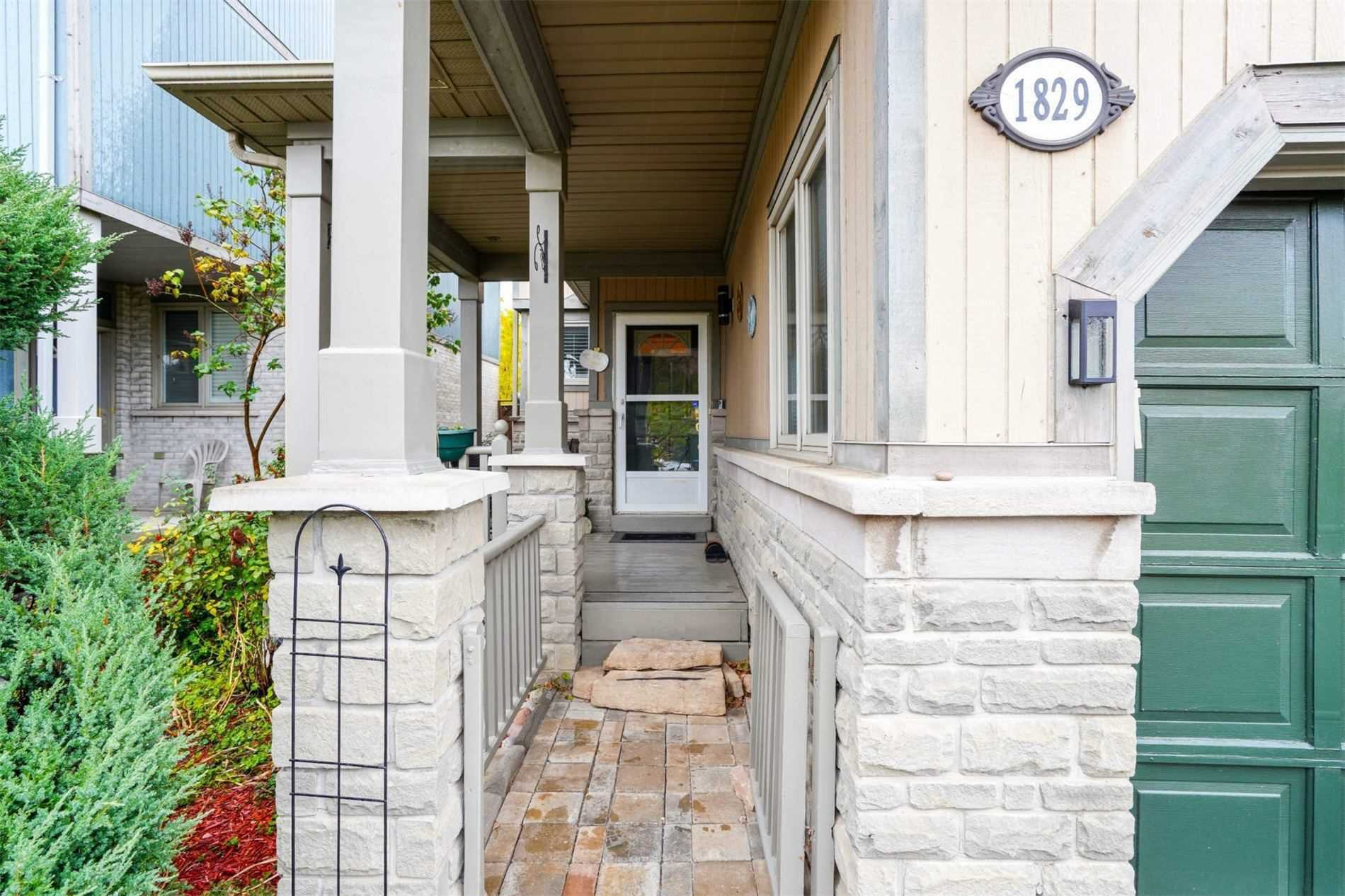 Main Photo: 1829 Stevington Crescent in Mississauga: Meadowvale Village House (2-Storey) for lease : MLS®# W4622513