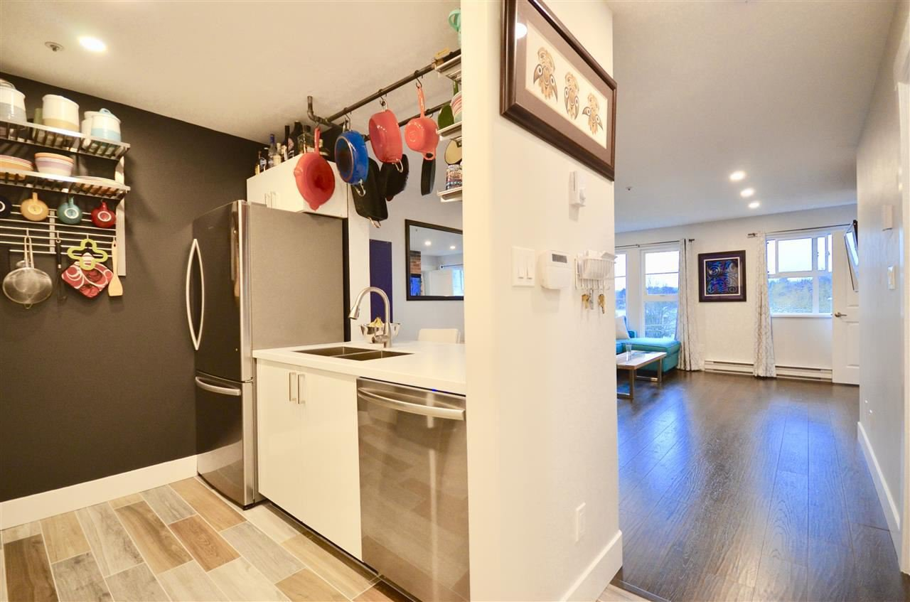Main Photo: W310 488 KINGSWAY AVENUE in Vancouver: Mount Pleasant VE Condo for sale (Vancouver East)  : MLS®# R2471410