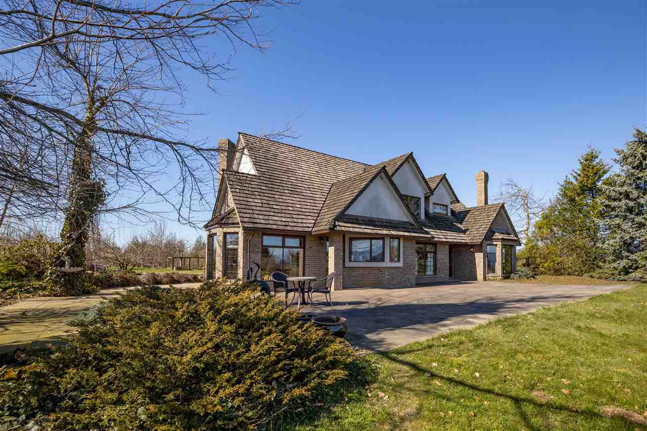 "Main Photo: 5291 MT LEHMAN Road in Abbotsford: Bradner House for sale in ""Mt. Lehman"" : MLS®# R2521485"