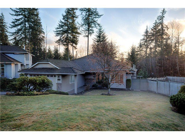 Main Photo: 1969 DUNROBIN Crescent in North Vancouver: Blueridge NV House for sale : MLS®# V1038515