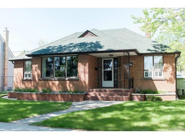 Main Photo: 736 Clifton Street in WINNIPEG: West End / Wolseley Residential for sale (West Winnipeg)  : MLS®# 1412953