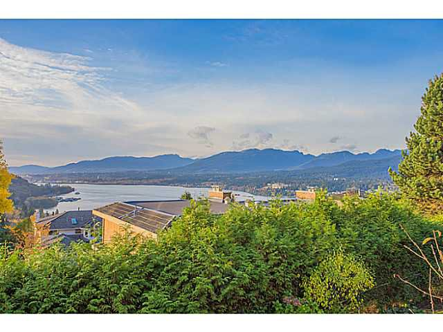 "Main Photo: 7265 RIDGEVIEW Drive in Burnaby: Westridge BN House for sale in ""WESTRIDGE"" (Burnaby North)  : MLS®# V1093949"