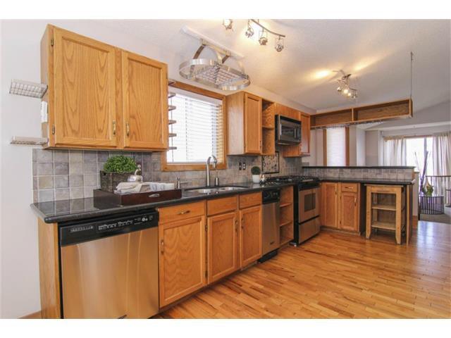 Photo 11: Photos: 25 HARVEST GLEN Court NE in Calgary: Harvest Hills House for sale : MLS®# C3650291